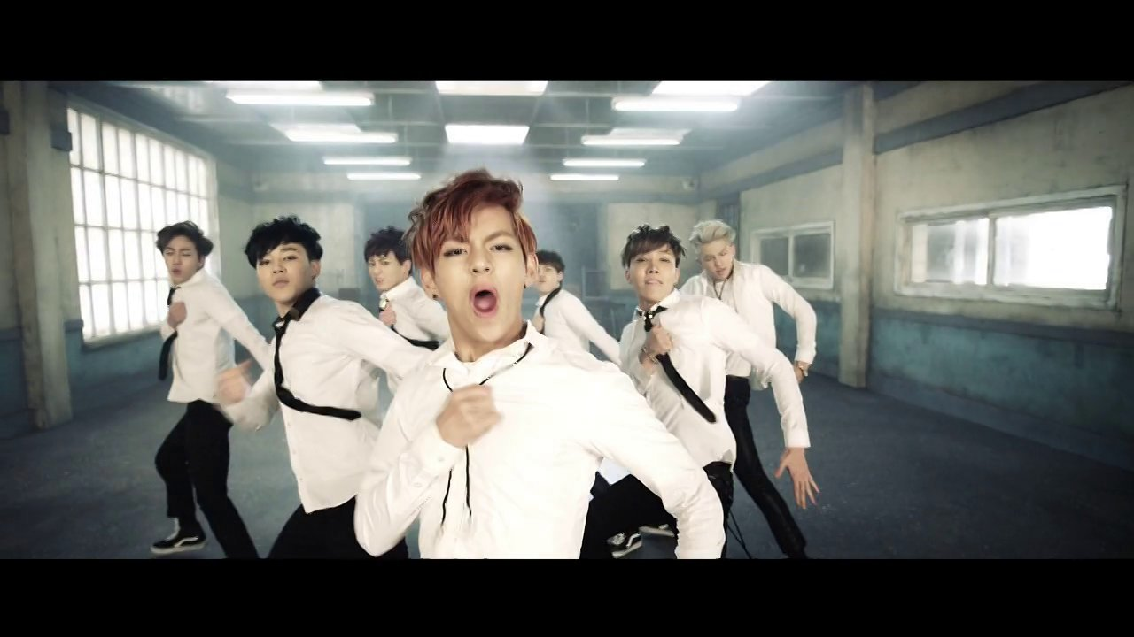 Boy in Luv – BTS